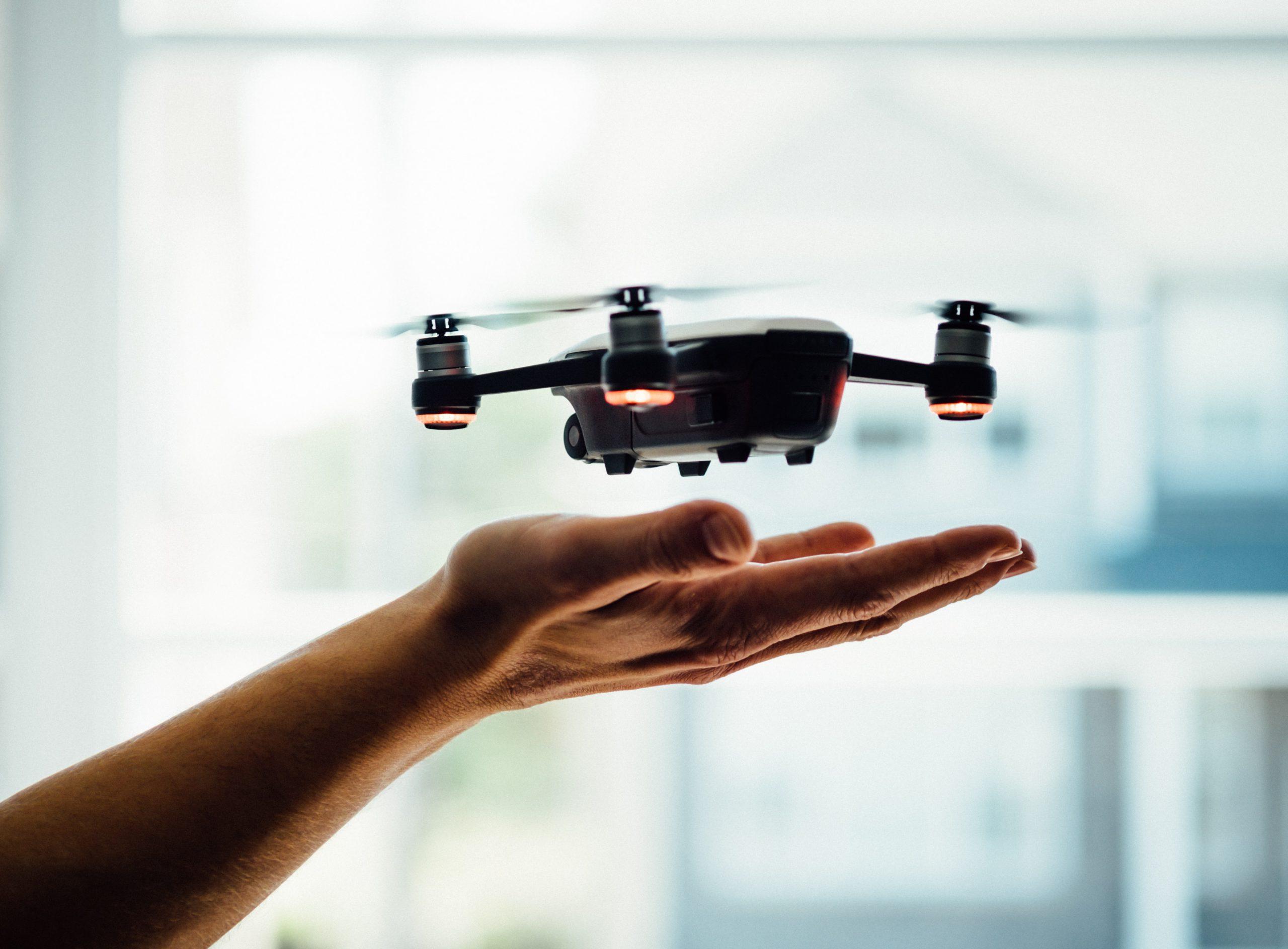 Jak sterowane są drony?